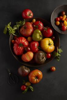 Fresh Heirloom Tomatoes - CAVF64353