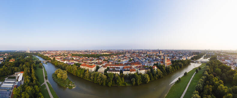 Germany, Bavaria, Upper Bavaria, Munich cityscape with Weiden Island, Wittelsbach bridge and Reichenbach bridge on Isar river - SIEF09110
