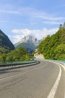Austria, Carinthia, Empty highway across Plocken Pass in summer - AIF00686