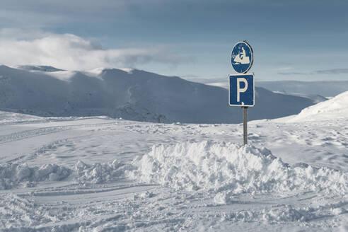 Winter landscape - JOHF02839