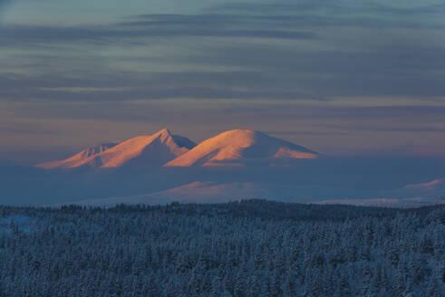 Winter landscape at sunset - JOHF03091
