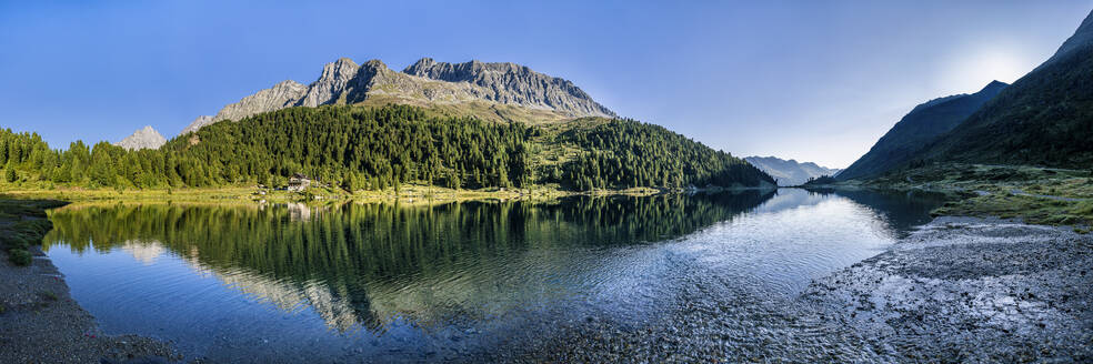 Austria, East Tyrol, Panorama of lake and mountains of Defereggen Valley - STSF02275