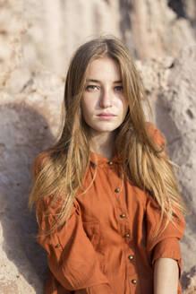 Portrait of a female teenager outdoors - JPTF00343