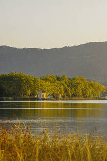 Spain, Gerona, Lake Bañolas, Houses on the shores of Lake Bañolas - MOSF00105