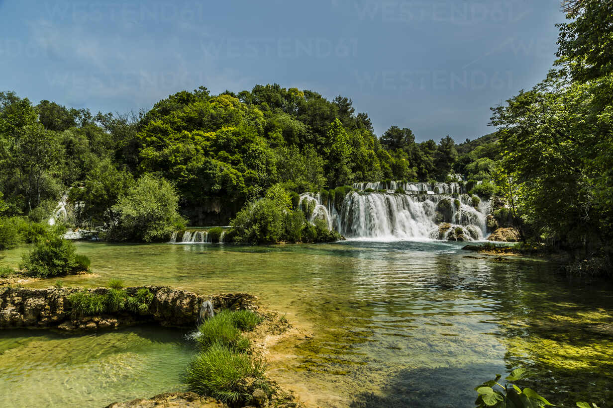 Croatia, Sibenik-Knin County, Krka National Park waterfall in summer - NGF00531 - Nadine Ginzel/Westend61