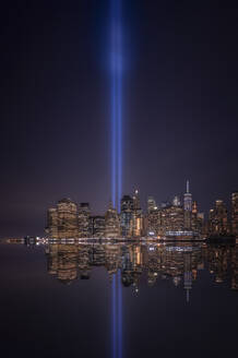 Skyline of Manhattan with Tribute in light, New York, United State. - DVGF00061