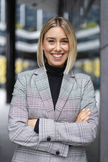 Portrait of confident young businesswoman - DIGF08672