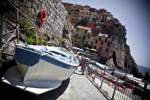 Townscape of Manarola, Liguria, Cinque Terre, Italy - GIOF07397