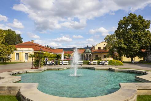 Slovakia, Piestany, Spa Piestany, Fountain at Napoleon bath hotel Thermia Palace - WW05335