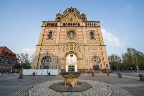 Germany, Speyer, Facade of Speyer Cathedral - RUNF03365