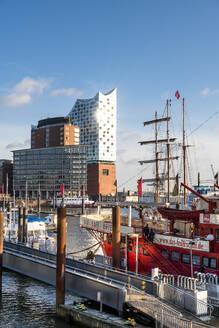 Europa, Deutschland, Hamburg, Hafen, Elbe Wasser, Fluss, Elbphilharmonie - EGB00505