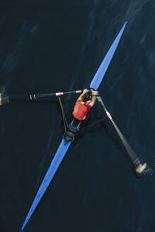 View from above of single scull crew racer, Lake Union, Seattle, Washington, USA. - MINF12838