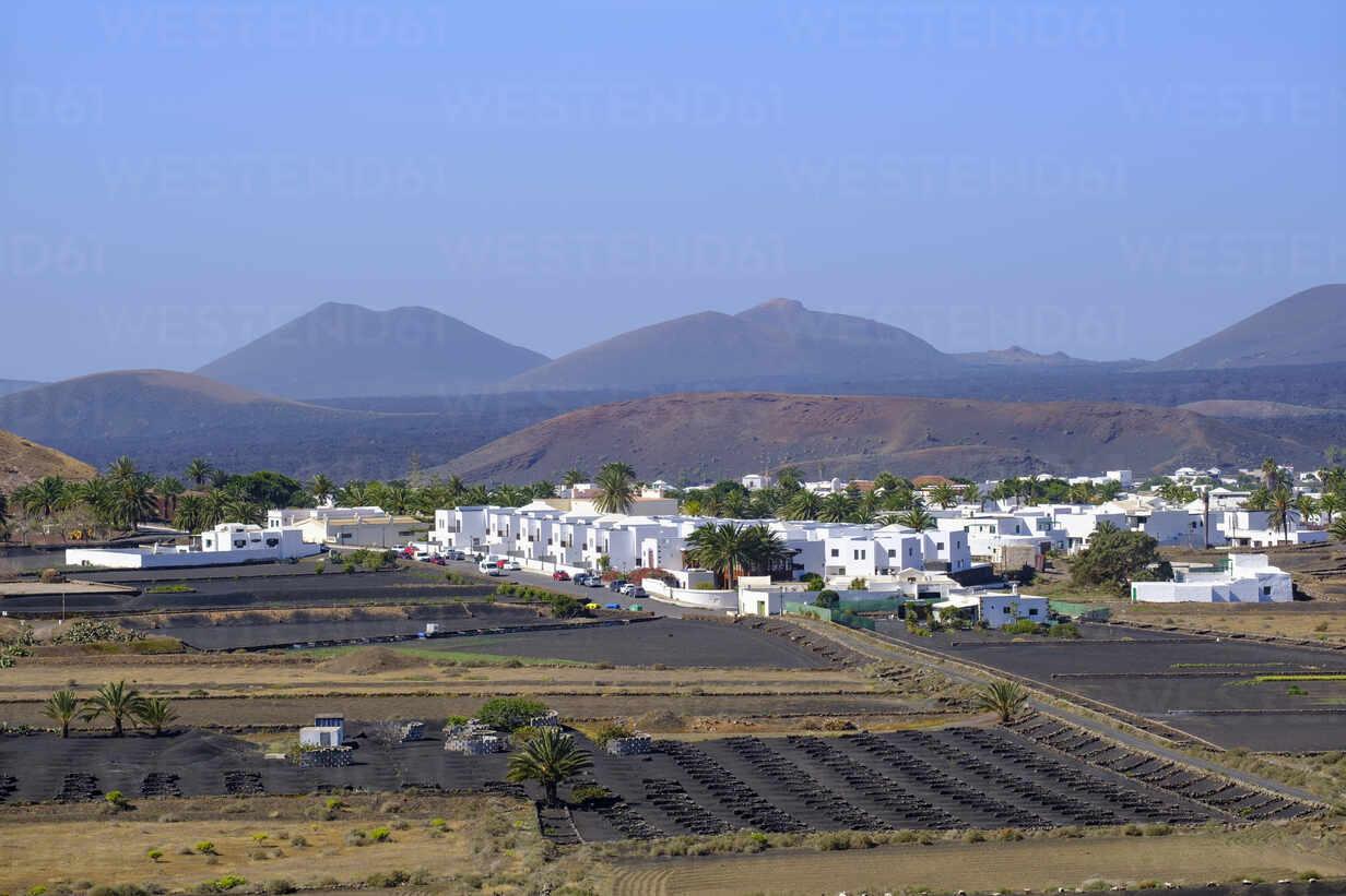 Dorf Yaiza, Region La Geria, Lanzarote, Kanaren, Spanien - SIEF09301 - Martin Siepmann/Westend61