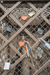 Love locks on Brooklyn Bridge, NYC, USA - JCMF00299