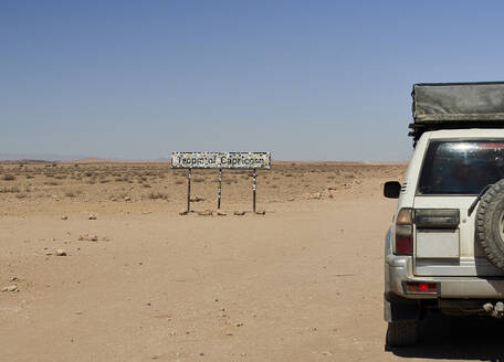 4x4 at the Tropic of Capricorn, Namibia - VEGF00963