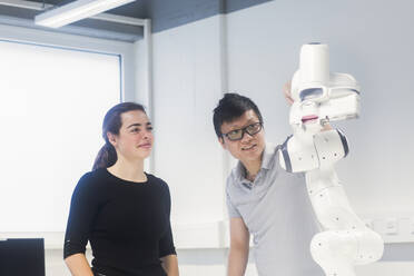 Sudents studying robotic at an university institute - SGF02507