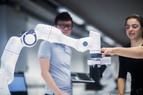 Sudents studying robotic at an university institute - SGF02519