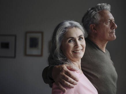 Portrait of a senior couple at home - GUSF03011