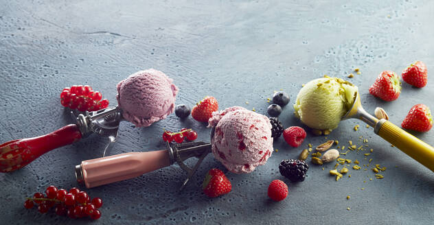 Assorted ice cream on scoop and fresh fruits - DREF00012