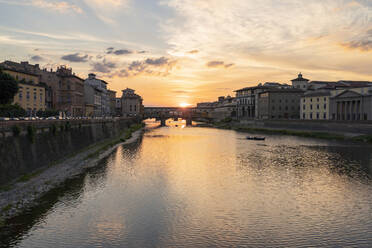 River Arno and Ponte Vecchio at sunset, Florence, Italy - FBAF01182