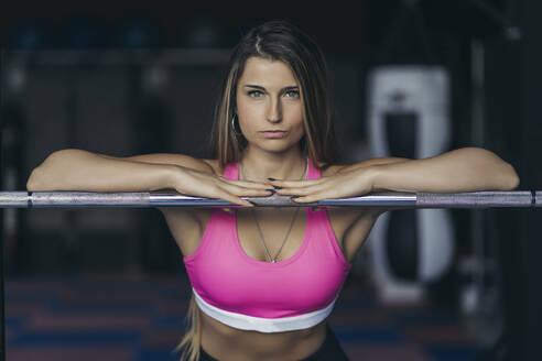 Female bodybuilder in gym - MTBF00303