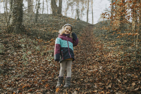 Girl during forest walk - DWF00538