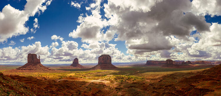Idyllic view of Valley of the Gods against cloudy sky - CAVF73624