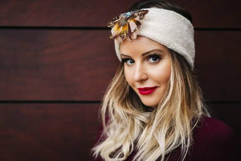 Portrait of beautiful woman wearing a headband - DGOF00186