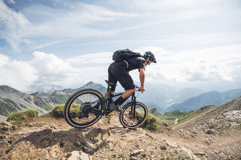 Mountainbiker, Grisons, Switzerland - HBIF00002