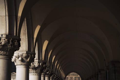 Italy, Venice, Doges Palace arcade - MAUF03319