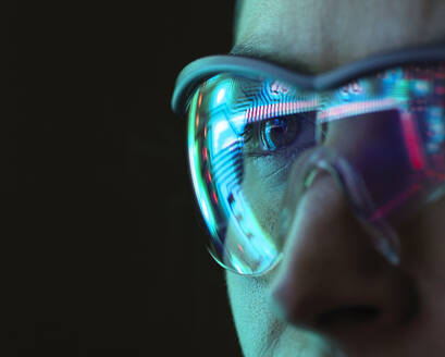 Reflection of a circuit board on glasses - ABRF00697