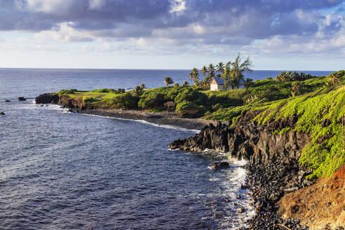 Coastal scenery on the road to Hana, Maui Island, Hawaii, United States of America, North America - RHPLF14158