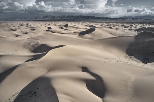 USA, California, Low-level aerial photography of Cadiz Dunes in Mojave Desert - BCDF00422