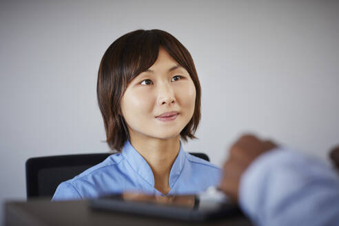 Portrait of receptionist in a dental practice - PWF00002