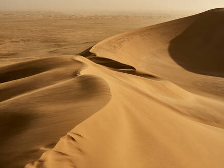 View of the dunes lines in the desert, Walvis Bay, Namibia - VEGF02090
