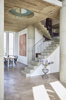 Interior of a loft flat with concrete stairs - MCF00946