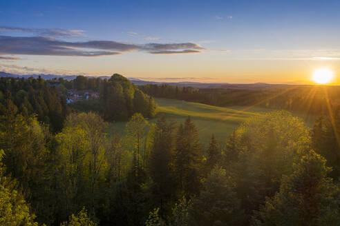 Abendstimmung, Bad Heilbrunn, , Drohnenflug, Oberbayern, Bayern, Deutschland, - LBF03100