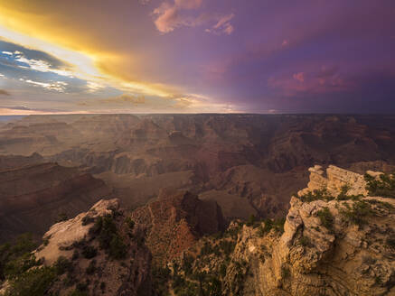 USA, Arizona, Grand Canyon at sunset - TOVF00210