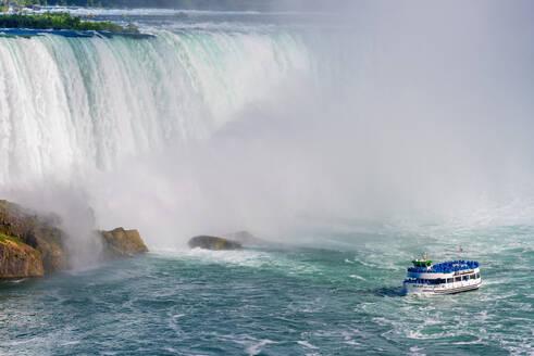 Horseshoe Falls, Maid of the Mist boat tour, Niagara Falls, Ontario, Canada, North America - RHPLF17002