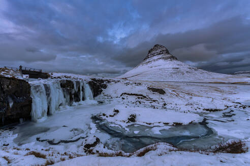 Kirkjufell in the evening, Snaefellsnes peninsula, Iceland - TOVF00215
