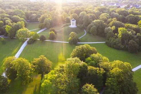 Englischer Garten mit Monopteros, M�nchen, Luftbild, Oberbayern, Bayern, Deutschland - SIEF10001