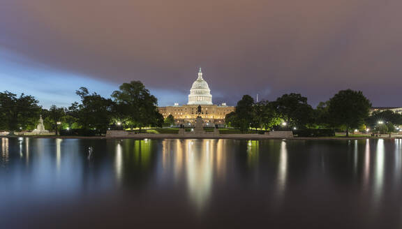 USA, Washington DC, Lincoln Memorial Reflecting Pool at night with United States Capitol in background - AHF00213