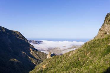 Felsnadel Espigón de Ibosa, Nationalpark Garajonay, bei Hermigua, Drohnenaufnahme, La Gomera, Kanaren, Spanien - SIEF10115