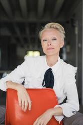 Deutschland, NRW, Oberhausen, Loft, Business, Büro, Coworking, Homeoffice, Frau, 47 Jahre - MOEF03647