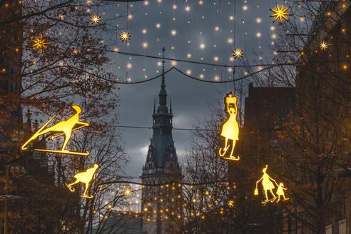 Germany, Hamburg, Christmas decorations in Monckebergstrasse - KEBF01781