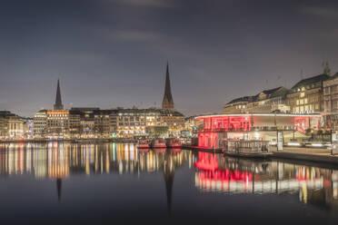 Deutschland, Hamburg, Morgendlicher Blick über die Binnenalster - KEBF01796