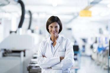 Deutschland, NRW, Oberhausen, Business, Industrie, Medizin, Forschung, Hitech, Frau, 55 Jahre, - JOSEF03710